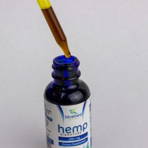 Bluebird-Botanicals-Hemp-Signature-Blend-1oz dropper